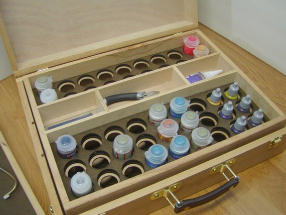 Trollmanufacturing box for paint storage